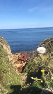 the boat wreck on the walk from Sennen cove to Lands End