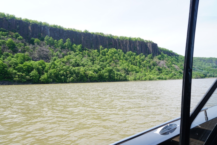 palisades cliffs from boat